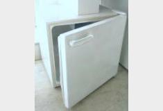 小型冷蔵庫(冷凍庫はありません)